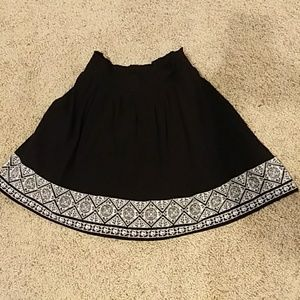 Black Old Navy skirt.